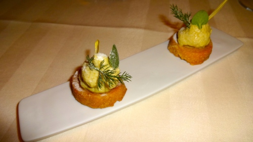 Amuse Bouche: Mini Pastries with Caramelized Onion Yogurt Cream.