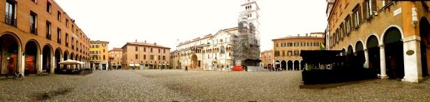 Piazza Grande.