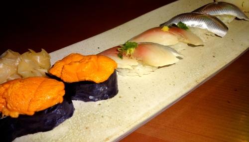 Uni/Sea Urchin Nigiri (8/10),