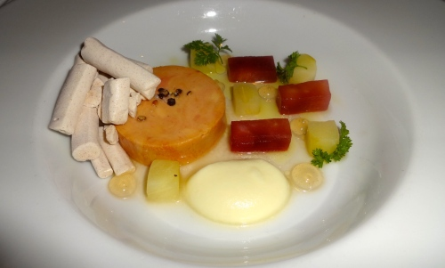 Foie Gras Torchon with Apple, Meringue, and Warm Brioche (7.5/10).