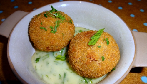 Rabbit Confit Croquette with Meyer Lemon Aioli (7.5/10).