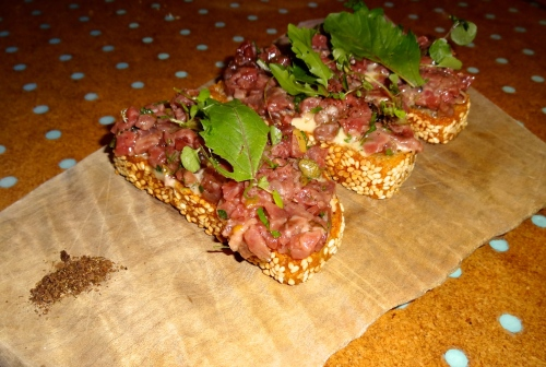 Steak Tartare Cesare Toasts (8.5/10).
