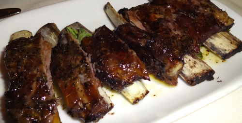 Arnisia Plevrakia : Grilled Lamb Riblets with Lemon and Oregano (7.5/10).