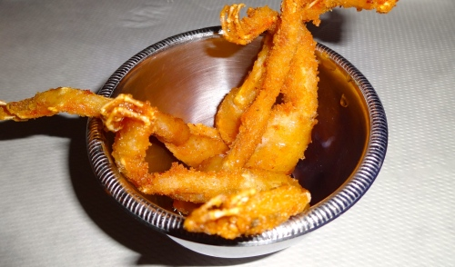 Fried Frog Legs en Aigre Doux with Garlic and Lemon (7.5/10).