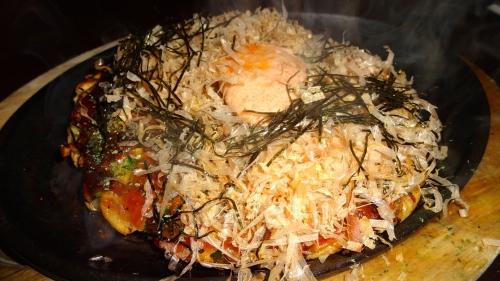 Okonomiyaki Pancake with Tiger Shrimp, Bay Scallops, Bonito Flakes, and Mentaiko Aioli (7.5/10).