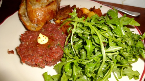 Beef Heart Tartare with Arugula, Fried Potatoes, and Grilled Bread (8.5/10).