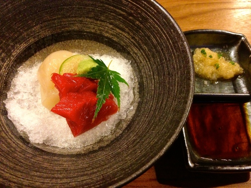 Maguro/Tuna Sashimi (9/10) and Hotate/Scallop Sashimi (9/10).