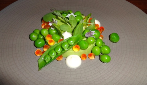 Sweet Pea Custard with Cured Steelhead Roe, Pea Shell Mint Sauce, and Spring Onion (9/10).