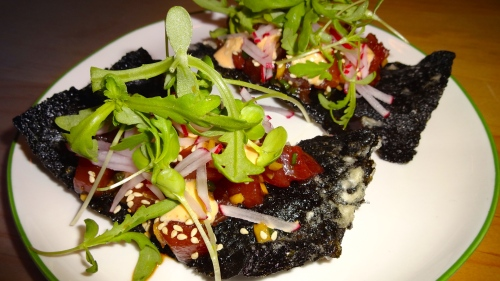 Tuna Poke with Sesame Oil and Radish on Nori Crackers (8.5-9/10).