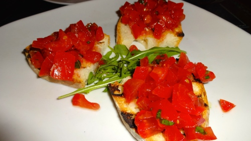 Bruschetta con Pomodori (Bruschetta with Tomatoes).