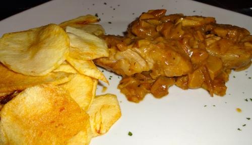 Filetto di Maiale con Fungi Porcini e Patate Fritti (Pork Filet with Porcini Mushrooms and Fried Potatoes.