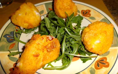 Mozzarella Fresche Fritte (Fried Mozzarella Cheese).