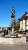 Kindlifresserbrunnen: Fountain at the Kornhausplatz.