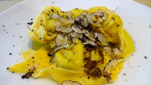 Ravioli stuffed with Ricotta Cheese with Black Truffles (8.5/10).