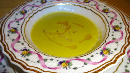 Amuse Bouche: Asparagus Soup with White Truffles (8/10).