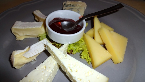 Mixed Cheese Platter (9/10).