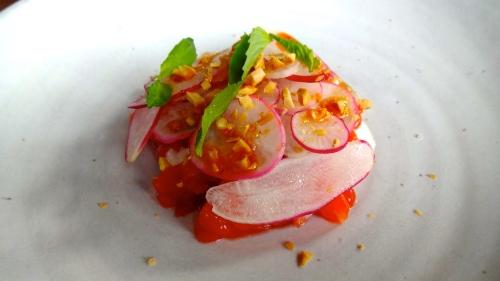 King Salmon, Peach, Almond, Chili Oil, and Basil (8.5/10).