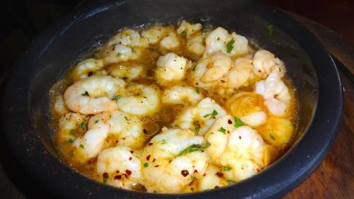 Gambas al Ajiilo: Shrimp with Garlic and Chili (7/10).