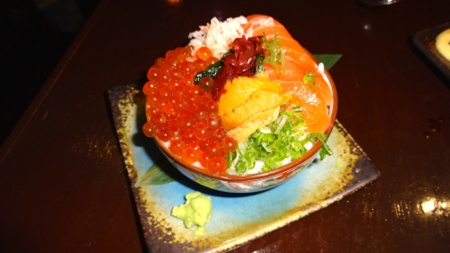 Mini Donburi with Ikura, Uni, Salmon, and Crab (8.5/10).